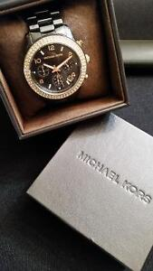 Micheal Kors Watch - Black Ceramic