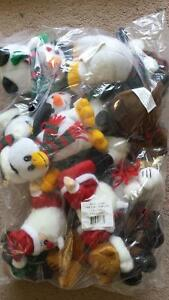 Plush toys (Christmas characters x 12) + singles. West Island Greater Montréal image 1