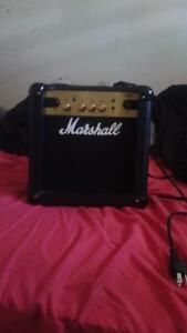 Peavy micro bass amp / Marshal MG10 practice amp