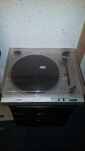 Hitachi DC Servo Turntable HT-21