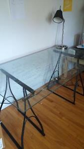 Tempered glass IKEA desk//Bureau IKEA en verre trempé