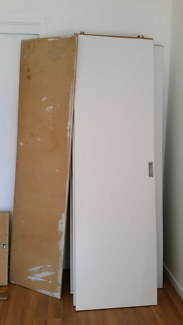 Wardrobe sliding doors and top shelf