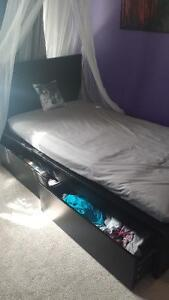 Black drawer twin bed