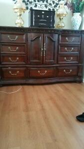Beautiful large  bedroom set (delivery)