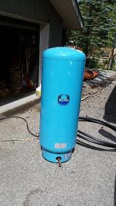 Wellrite WR240R water pressure tank - 2 years old