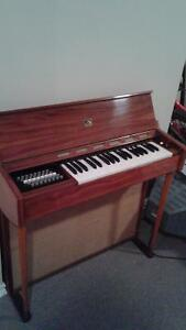 "Electric Piano, ""antique"", from the 1960s."