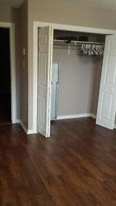 Students: ROOM for rent $500 all inclusive!