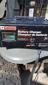MOTOMASTER ENGINE START BATTERY CHARGER