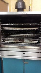 Garland TG3 Gas Commercial Oven with shelving & baking trays Kitchener / Waterloo Kitchener Area image 2