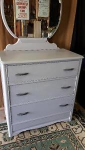 4 Drawer Dresser and Mirror London Ontario image 1