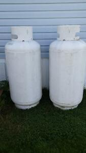 2 - 300 pound propane tanks ( grear for home or camp )