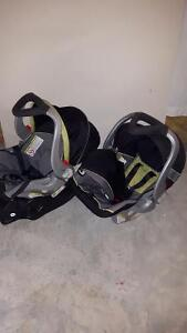 2 car seats with 2 bases