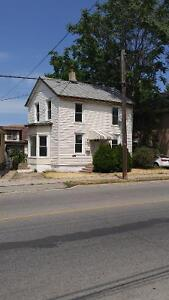 Just listed! duplex in St.  Catharines