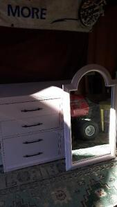 8 Drawer Dresser and Solid Mirror London Ontario image 1
