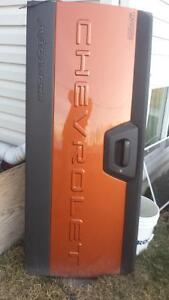 2005 Chevy tailgate (avalanche)