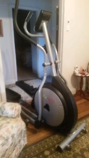 Eliptical Machine - GoFit Platinum - Exercise Crossfit Trainer