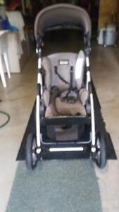 Stroller and lounge baby chair Peterborough Peterborough Area image 5