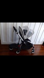 Excellent condition Bugaboo Bee Plus with Bugaboo wheeled board Coogee Eastern Suburbs Preview