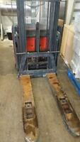 BT LSF 1250 Electric Pallet Stacker & 24 V Charger Moncton New Brunswick Preview