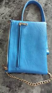 electric blue zipper crossbody purse Belleville Belleville Area image 2