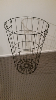 Long wire basket