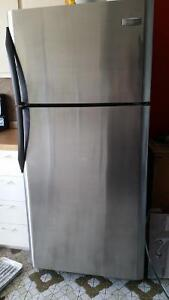 Frigidaire stanless / Four stanless