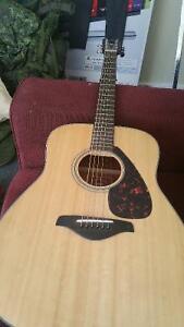 Yamaha acoustic 6 string