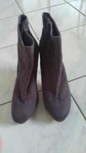 Women Suede Boots with Heels - Size 10