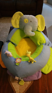 Baby playtime pillow Alexander Heights Wanneroo Area Preview