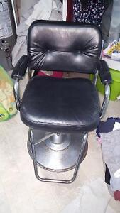 Used hydorlic hair stylist chair Cambridge Kitchener Area image 1