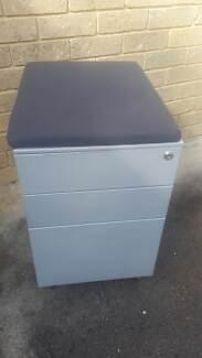 3 Draw under desk filing cabinet on wheels