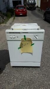 GE Dishwasher in Excellent Condition
