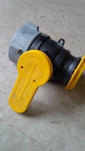 IBC tote valves, excellent condition Kitchener / Waterloo Kitchener Area image 1