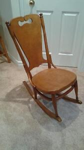 Antique nursing rocking chair buy sell items tickets for Chaise bercante antique