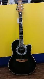 Magnifique guitare de marque ??lectro-acoustique Ovation!!!