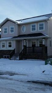 Airdrie - Channelside 4 Bedroom (Pet friendly)