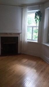 5 1/2 for August 1st ONE MONTH FREE - downtown near Concordia U.
