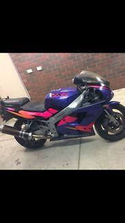 1995 Kawasaki ZXR 750 roadbike