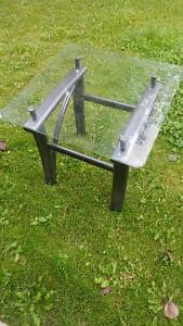 Porch or Yard glass top end table Edmonton Edmonton Area image 2