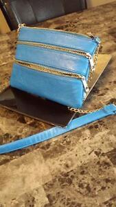 electric blue zipper crossbody purse Belleville Belleville Area image 3