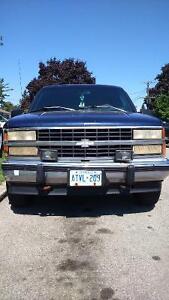 1993 Chevrolet Suburban SUV, Crossover