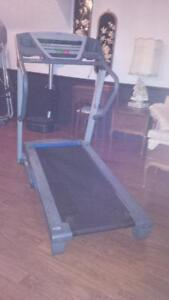 Large PRO FORM XP - Programmable Tredmill with Speakers