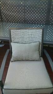 table et chaises d'extérieur
