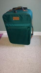 22in. Green Luggage Bag on Wheels with Handle