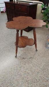 antique clover leaf parlour table