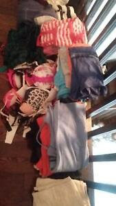 S AND XS LARGE BAG OF WOMANS CLOTHING, SWEATS, BRAS, TEES AND +! Cambridge Kitchener Area image 1