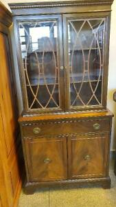 KNECHTEL HOMEWOOD FURNITURE DINING TABLE AND CHINA CABINET