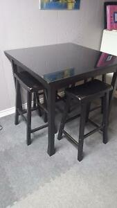 Bistro Table & Stools Stratford Kitchener Area image 1
