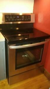 FOUR CONVECTION LG COMME NEUF