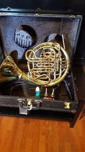Looking to sell my Holton H278 F/B flat French Horn